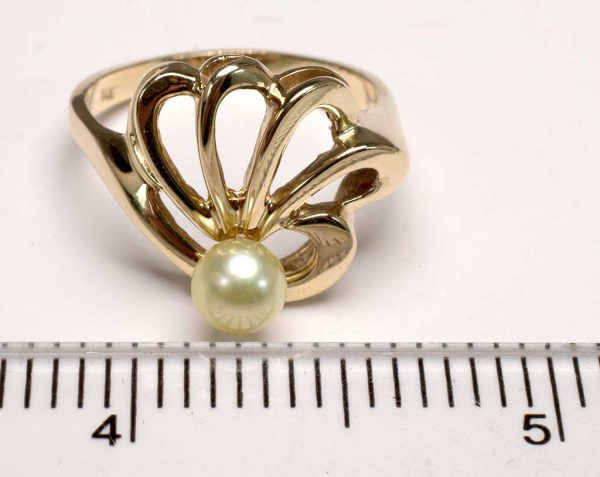 Unique 14KT Gold Pearl Ring